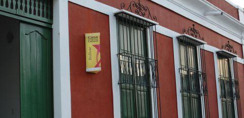 Fachada de la Casa de la Diversidad Cultural del estado  Bolívar.